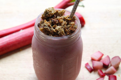 Strawberry-Rhubarb Pie Smoothie | Peace, Love, and Food